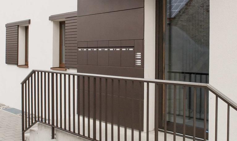 das unternehmen renz hersteller von briefkastenanlagen. Black Bedroom Furniture Sets. Home Design Ideas